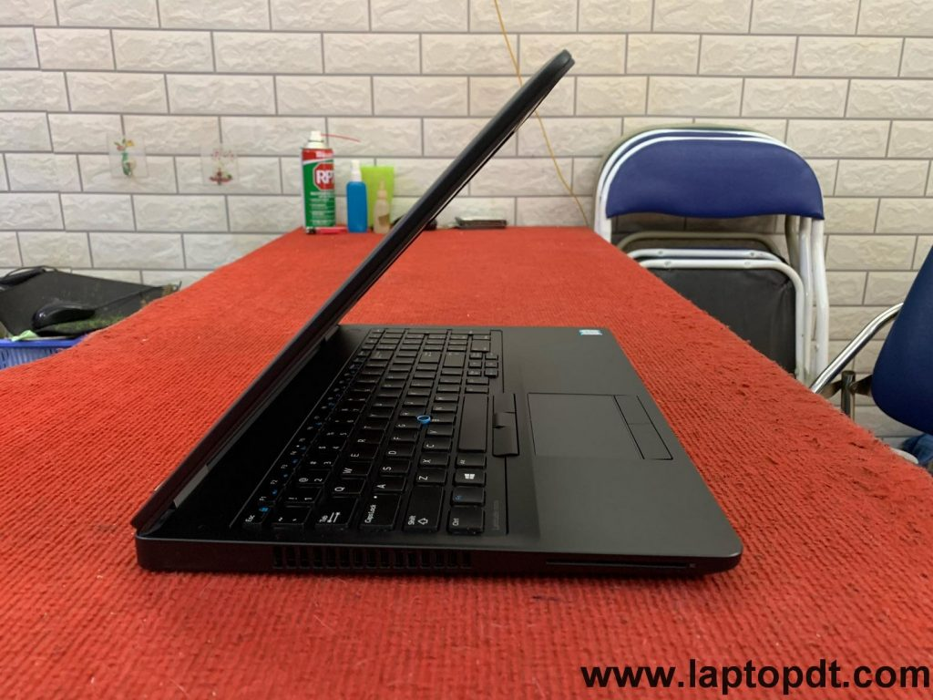 laptop mỏng nhẹ dell cũ cấu hình cao